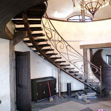 Лестницы для общественных мест на заказ
