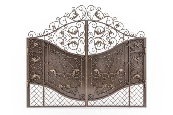 Кованые ворота с свободным рисунком и сеткой