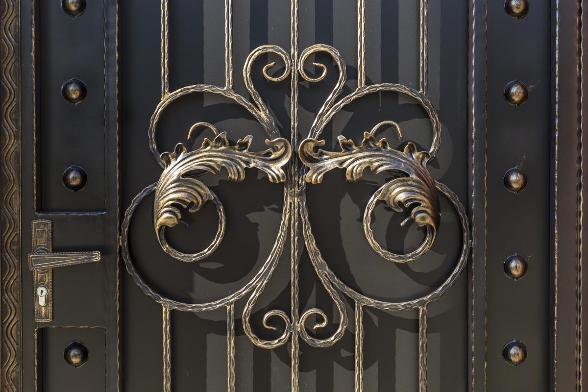 Кованые ворота, калитка и заборная секция (после монтажа)