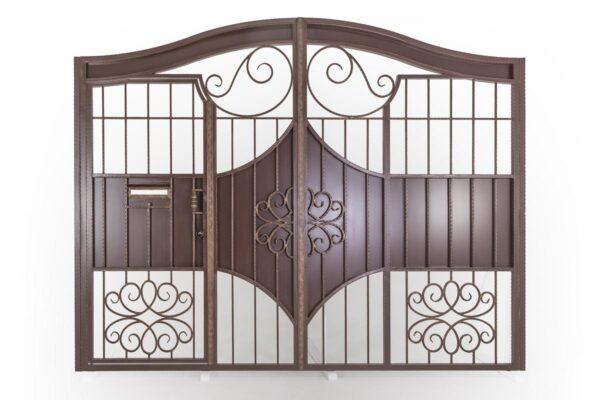 Кованые ворота со встроенной калиткой – г. Анапа