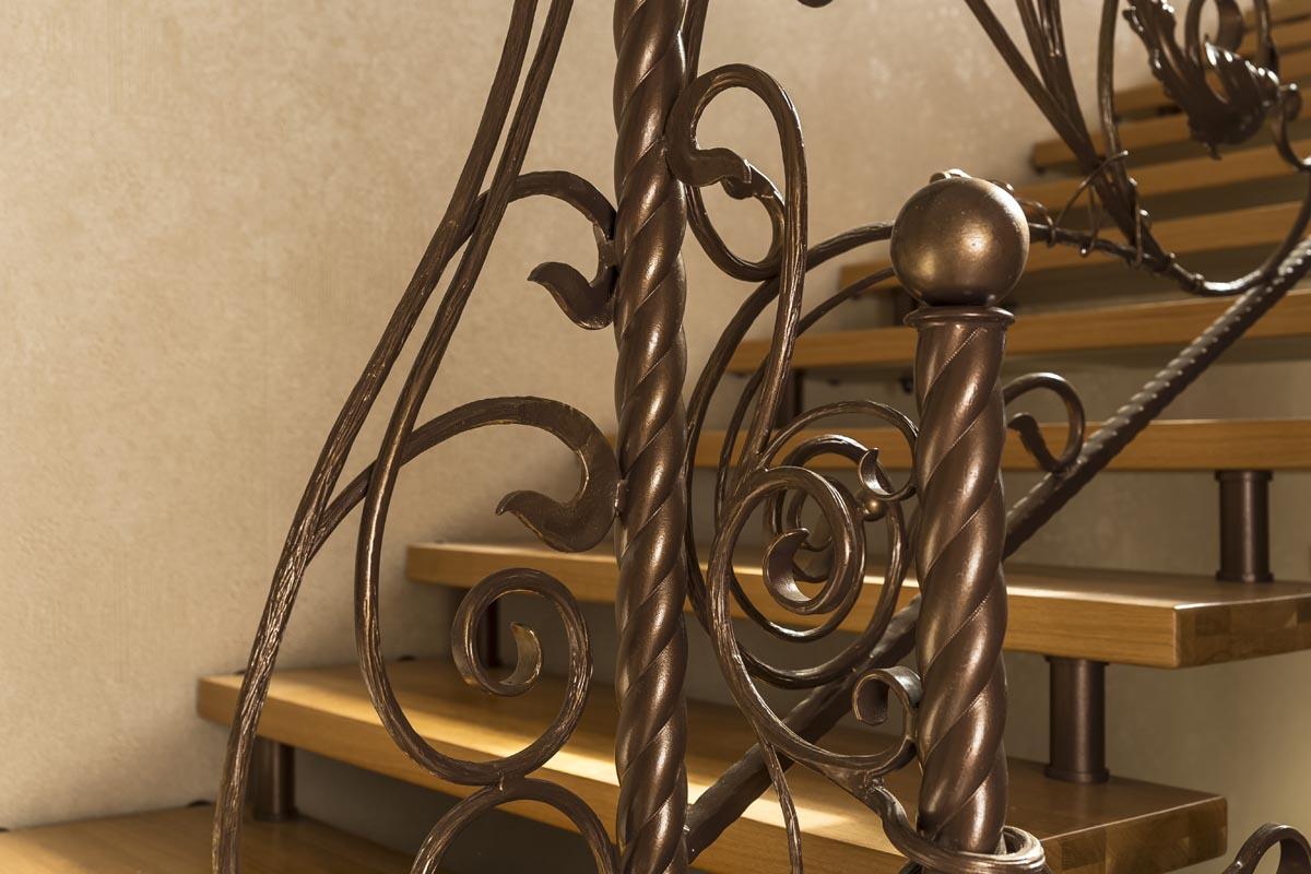 Лестница с кованым ограждением - Витязево