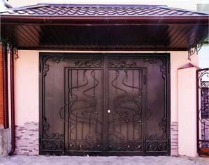 Кованые ворота, калитка и заборные секции – г.Анапа