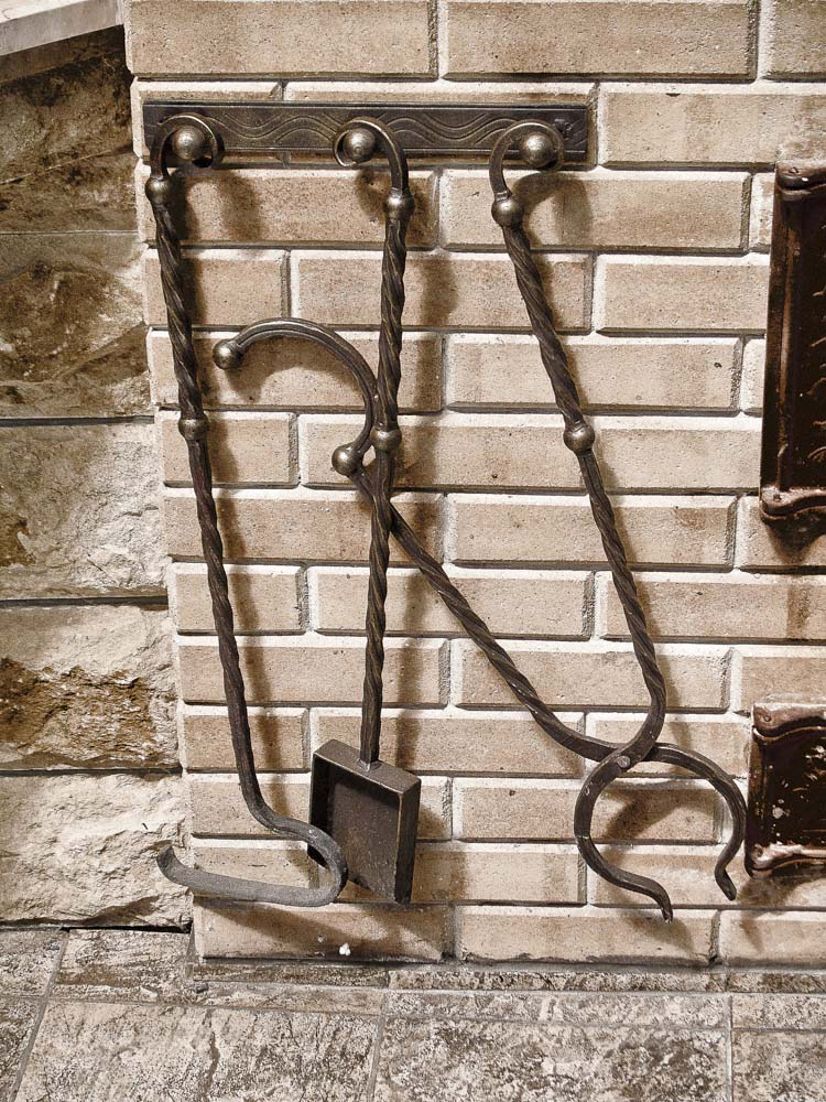 Кованые инструменты для летней кухни