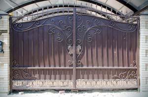 Кованые ворота и калитка