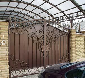 Кованые ворота, калитка и навершия – п.Витязево