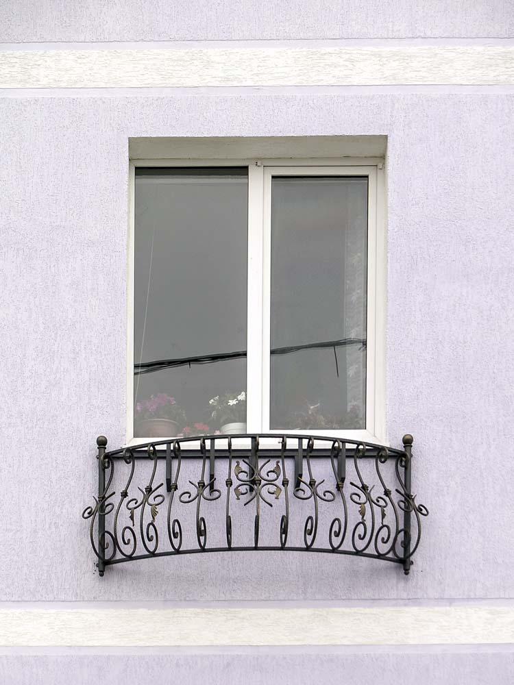 Кованный балкон в поселке Витязево