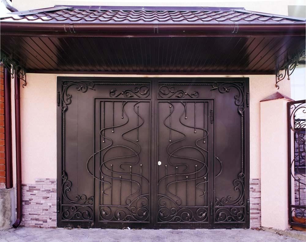Кованые гаражные ворота в городе Анапа