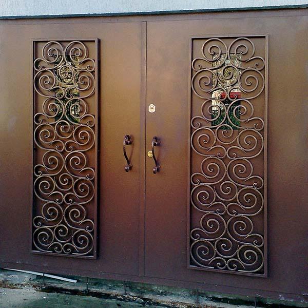 Гаражные кованые ворота, открытые ворота и заборные секции