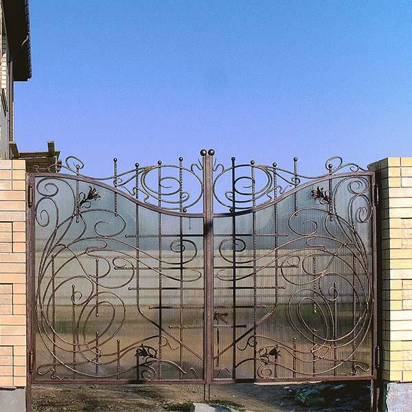 Кованые ворота, калитка и забор – п.Виноградный