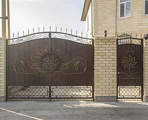 Кованые ворота, калитка и навершия