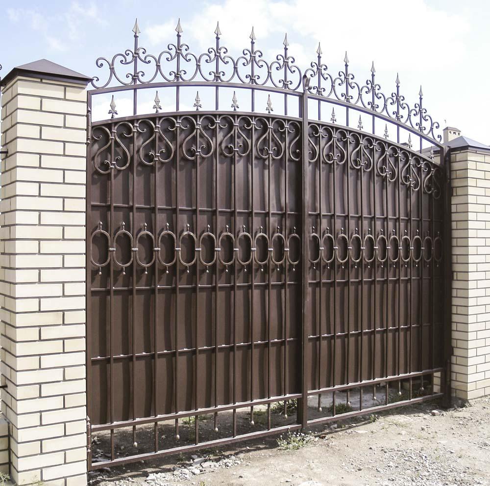 Кованые ворота в поселке Алексеевка