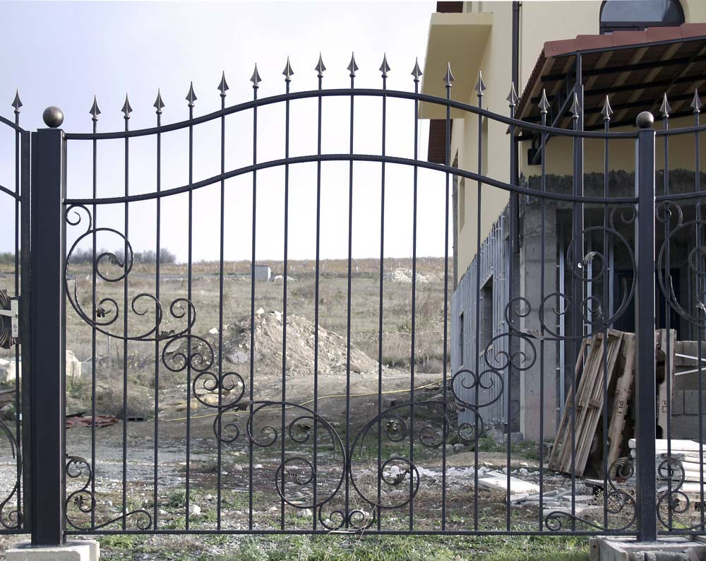 Открытые кованые заборные секции в селе Варваровка