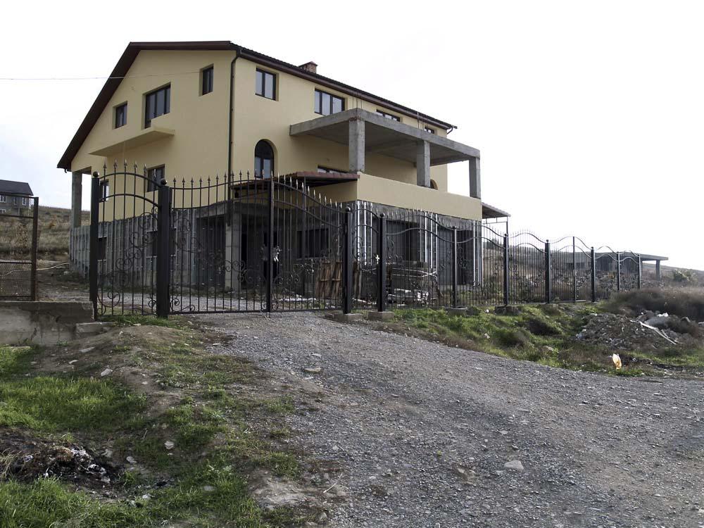 Открытые кованые заборы в селе Варваровка
