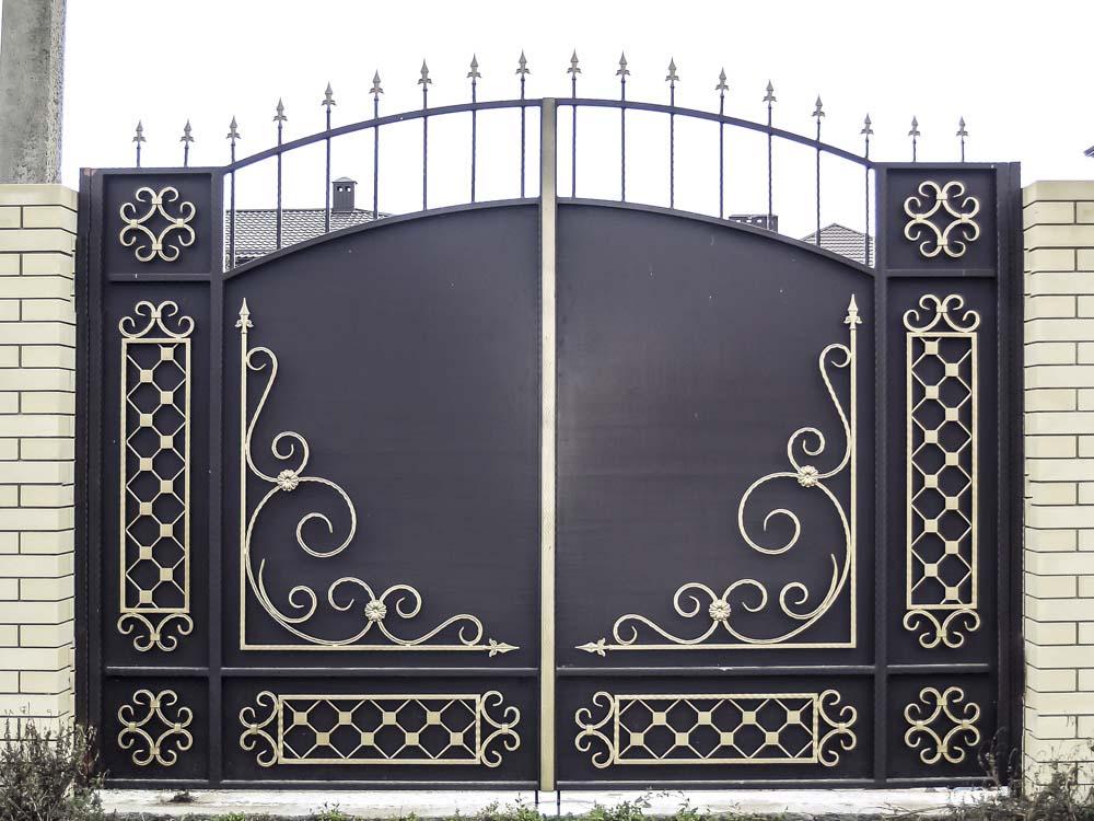 Стандартные кованые ворота Д4 в поселке Пятихатки