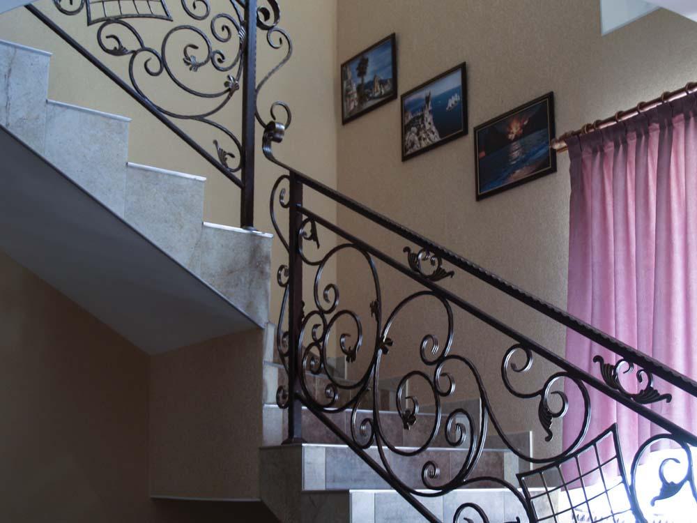 Внутренние лестничные ограждения в городе Анапа