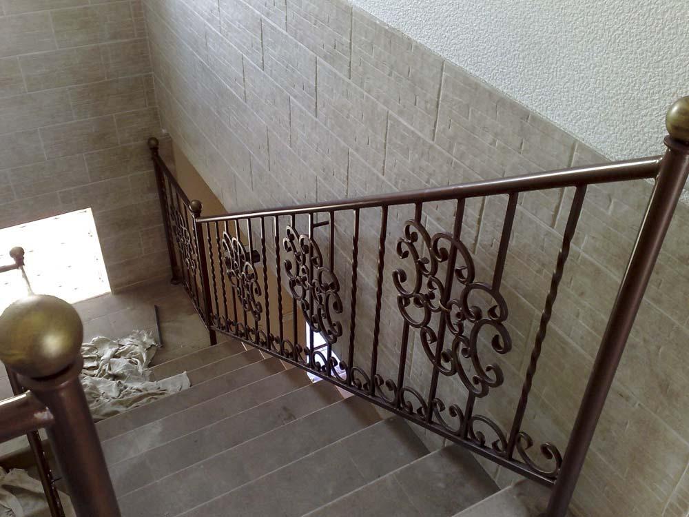 Внутренние лестничные ограждения в поселке Алексеевка