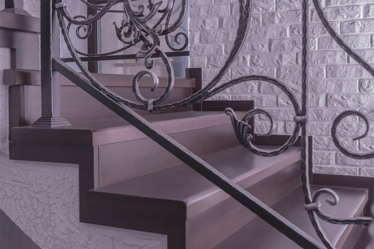 Обшивка лестницы и лестничное ограждение - поселок Мысхако
