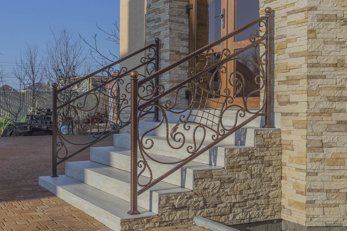 Балконные и лестничные ограждения - х.Красный