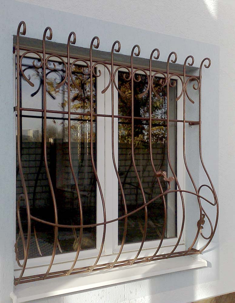 Кованые оконные решетки в городе Анапа