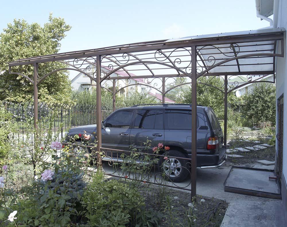 Навес без ферм с элементами ковки в городе Анапа