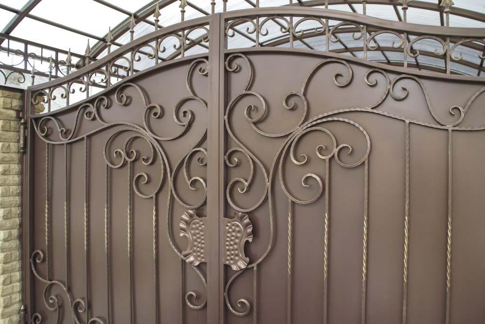 Кованые ворот в поселке Витязево