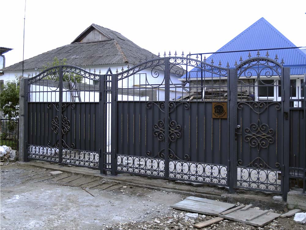 Кованые ворота и калитка в городе Анапа