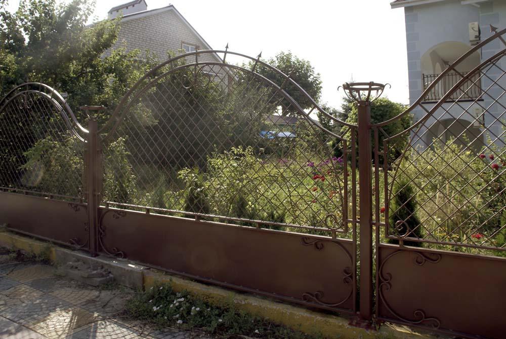 Кованые заборные секции в городе Анапа