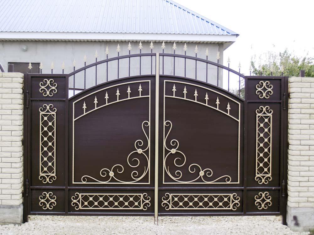 Стандартные кованые ворота В2 в поселке Виноградный