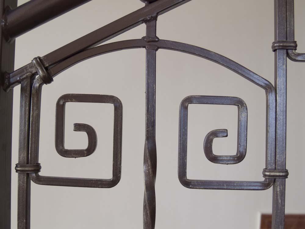 Внутренние лестничные ограждения в поселке Витязево