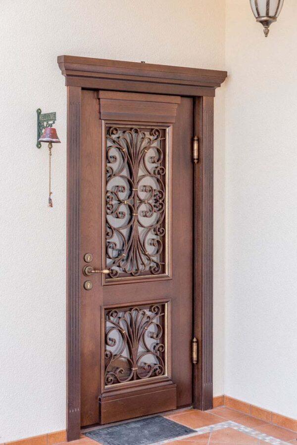 Дверь с элементами ковки — п.Адербиевка